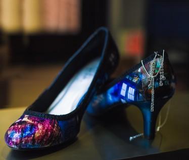 Bride shoe photo